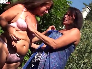 FUN MOVIES Amateur German Mature grannies fuck tee
