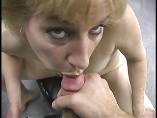 Sexy mature blonde blows & huge facial of thick cum stripes