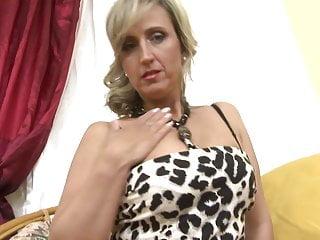 Super-sexy mature mother next door wants a fine smash