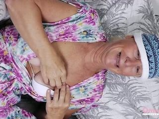 OmaHoteL Sextoys and grandmother photos in Slideshow