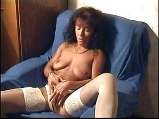 Mature wifey vids herself draining to ejaculation