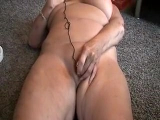 Unexperienced theluckystrike wanking on live cam