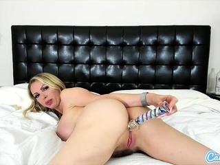 CamSoda - Nikki Benz huge-boobed cougar