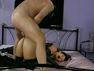 Mature mistress loves backdoor pounding