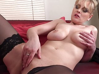 Buxom mature mother Helga with hungry muff
