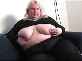 BBW undresses and masturbates
