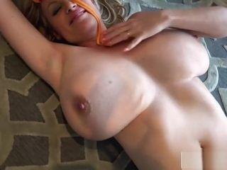 Kelly Madison demonstrates Off Her Beach boobs
