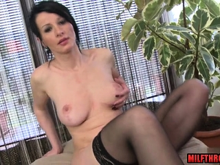 Black-haired cougar fuck stick with money-shot