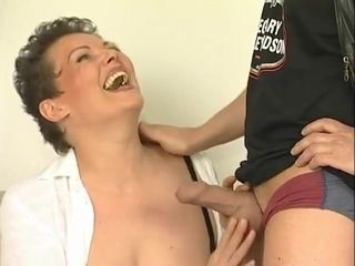 Frigging and tonguing your German cougar - Julia Reaves