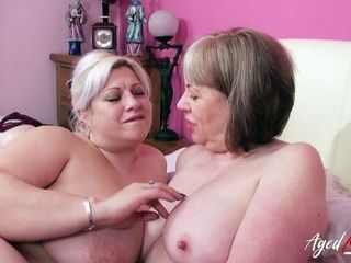 AgedLovE Groupsex With 2 Matures and 3 weenies