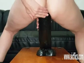 Ginormous fuck sticks open up her thirsty cootchie