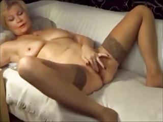 Estonian granny fingering her sweet clit