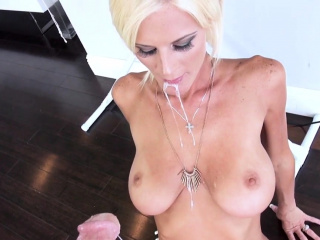 Light-haired stepmother takes red-hot jizz facial cumshot