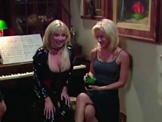 Vintage lesbians party