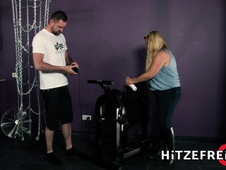 HITZEFREI blondie German plumper rails sybian saddle then screwed