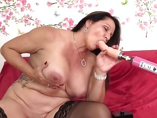 "Astounding Mature Leylani pink cigar stretches Her gams for a poking Machine|<iframe src=""https://embeds.sunporno.com/embed/1365217"" fram"