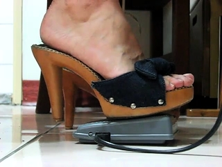 Insatiable glamour cougar In outstanding sole worship have fun