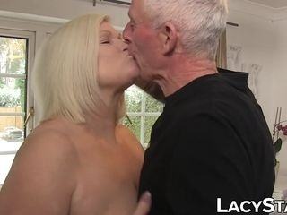 Wild Lacey Starr eats hefty knob before intrusion