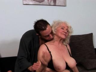 Chunky grandma jizzed essentially puristic pussy