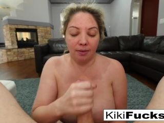 Kiki Daire gives head til she decorates the back of her facehole with spunk