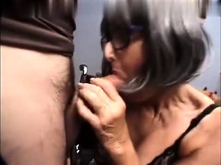 Nips have fun and oral pleasure first-timer dame on knees