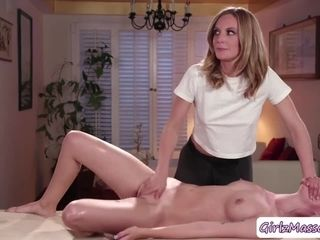 Lyra gets her bum drilled by doing sensational mbumage
