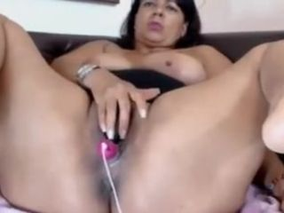 Grown-up latina frontier fingers with the addition of pussy primarily webcam