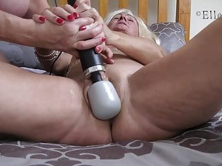 Sumptuous Mature Ellen B & Elle, Magic cougar magic wand have fun YUM!