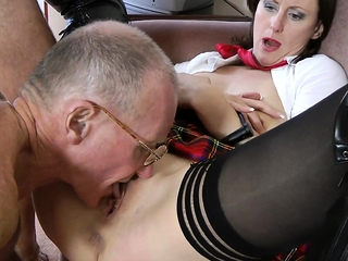 Matured to one's face milf pussyfucked hither trio
