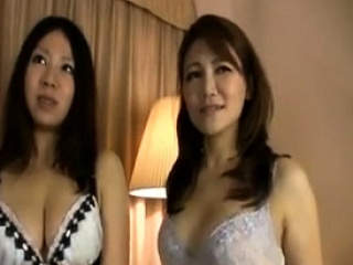 Pretty asian gives hj and blow-job