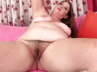 Ginormous mom Kailie Raynes jams Her fur covered lush vulva with a pinkish fuck stick