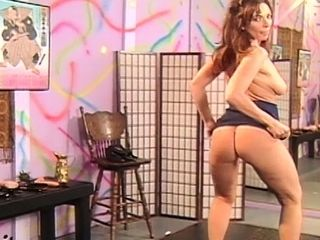 Pulchritudinous mollycoddle fro arse ride herd on domineer MILF with dildo