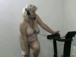 Naked sexy workout by this hot granny part1