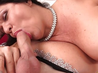 Curvaceous aged brown-haired female Leylani Wood Mounts a rock hard chisel