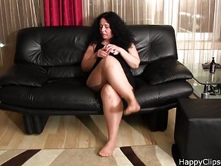 Alisa - the fetish mature woman footplay and smoking video