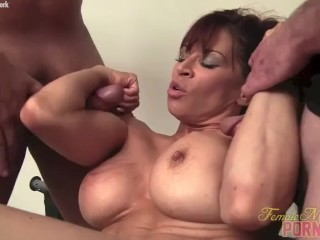 Chick Bodybuilder porno starlet Gives Head Muscle plumbs