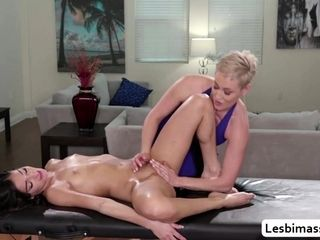 MILF Ryan Keely licks say no to stepdaugtsay no to Emily Willis pussy