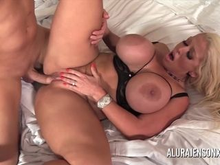 Thick funbag cougar Alura Jenson has her taut cooter punctured