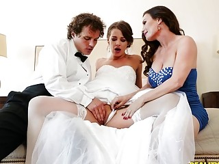"Youthful bride is joined by her step-mother while honeypot drilled|<iframe src=""https://embeds.sunporno.com/embed/1367347"" frameborder=&q"