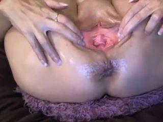 Super-hot big-boobed blondie Tammy performs aged snatch display