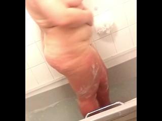 Voyeur chubby milf shaving Bath Time 2