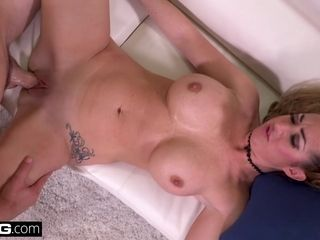 Janna Hicks enjoys having pipe inbetween her good-sized knockers