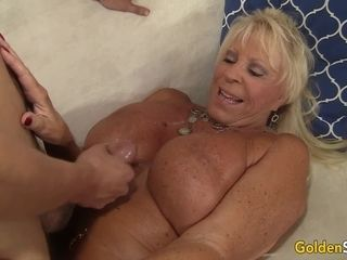 Huge-chested grannie Mandi McGraw elations youthful paramour with hatch and puss