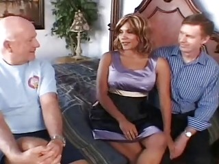 Swinger wifey Gets A uber-cute three-way