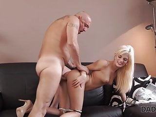 Dad4K. Trimmed dad spreads divine platinum-blonde Candee Licious..