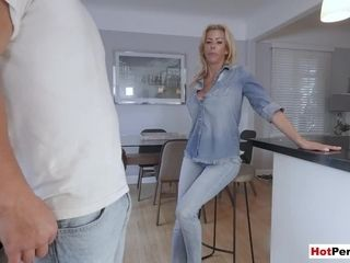 My warm cougar stepmom with massive boobies blows my massive meatpipe