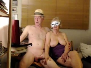 Unexperienced whiteonrice69 demonstrating milk cans on live web cam