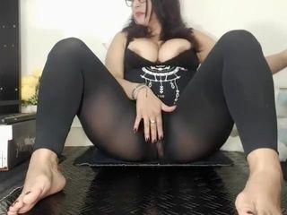 Solo fetish mature breezy in tights