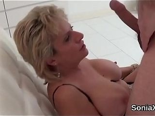 Adulterous brit cougar nymph sonia demonstrates her massive boobies