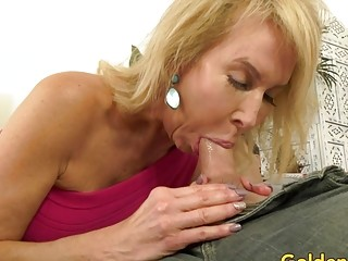 Smashing manstick greedy towheaded grannie Erica Lauren with a lengthy Dick
